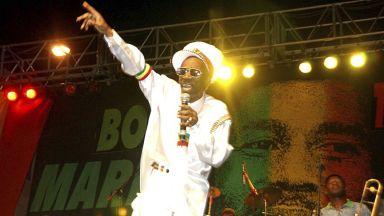 Почина легендата на реге музиката Бъни Уейлър