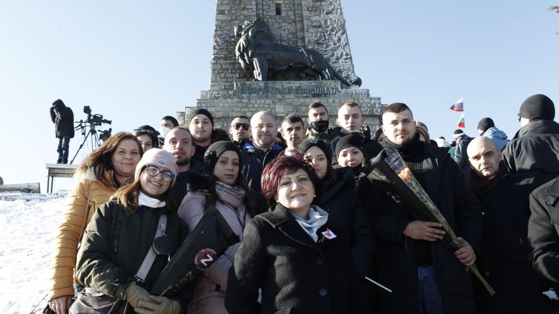 Цвета Караянчева: Изкачването на връх Шипка калява духа