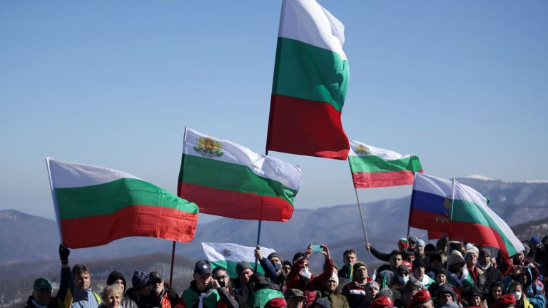 Хиляди хора изкачиха историческия връх Шипка в знак на признателност