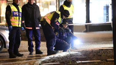 Терористична атака в Швеция - 8 души са ранени при нападение с нож