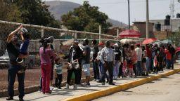 Десетки политици в Мексико са убити преди изборите през юни
