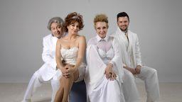 Мечтатели в бяло летят в Народния театър