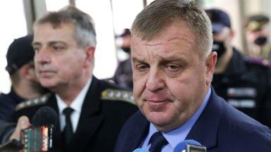 """Каракачанов: След като докладът """"Терем"""" е готов, ще се решава за проекта за бойни машини"""