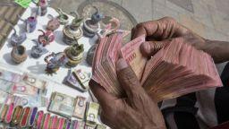 Хиперинфлация - Венецуела отпечата банкнота от 1 милион боливара
