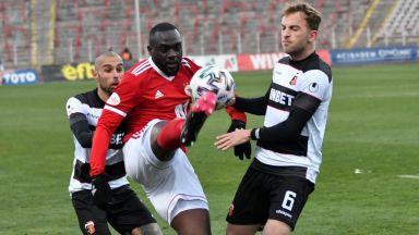 Локо (Пловдив) докосва второто място след триумф срещу ЦСКА