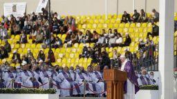 Папата отслужи най-голямата си меса в Ирак пред хиляди вярващи  на стадион в град Ербил