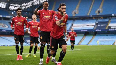 Юнайтед оцвети Манчестър в червено и спря серията на Сити