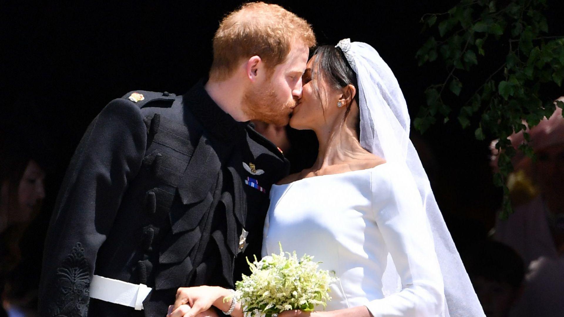 Принц Хари и Меган са се оженили дни преди кралската си сватба