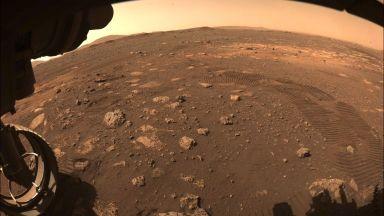 """""""Пърсивиърънс"""" изпрати над 7000 снимки от Марс"""
