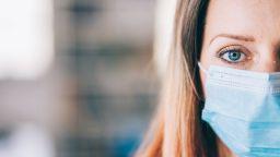 Най-опасните продукти за 2020 г.: спирт за горене минава за дезинфектант, а хипноза пази от Covid
