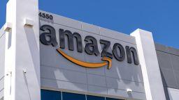 """Amazon се залавя с музика """"на живо"""""""