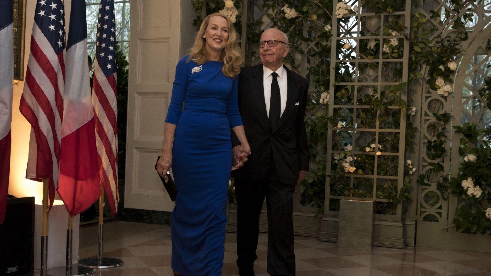 Рупърт Мърдок и съпругата му Джери Хол гостуват в Белия дом за срещата на Доналд Тръмп с френския президент Еманюел Макрон, 24 април 2018 г.