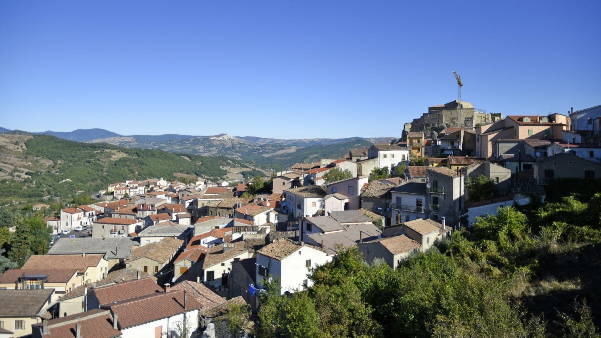 Още един италиански град продава къщи за 1 евро, при това без депозит