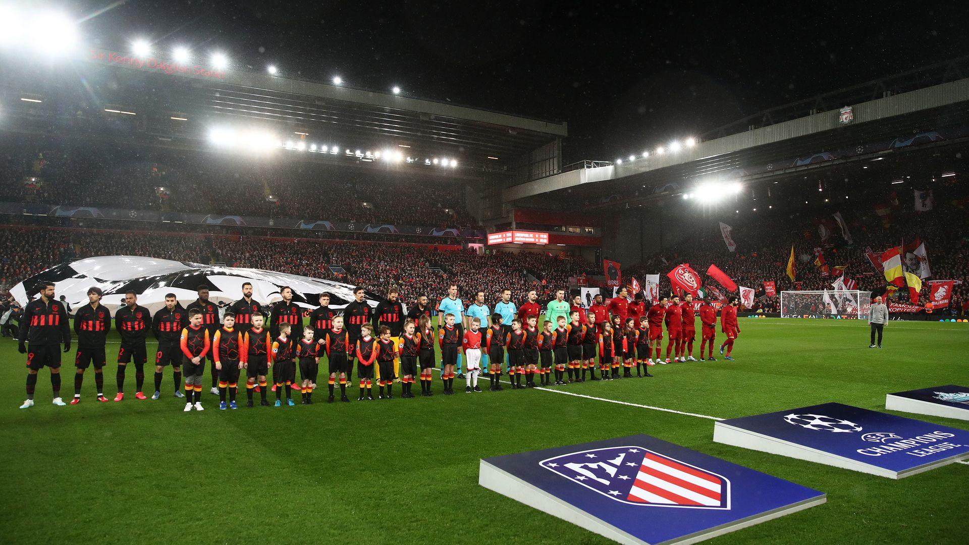 Измина година от последния истински футболен мач