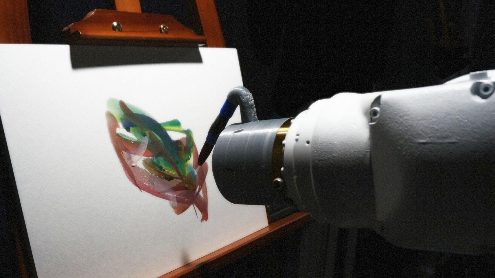 Робот художник се държи като истински човек по време на рисуване