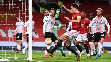 18-годишно дете-чудо изгря за Юнайтед, но Милан не се даде в сблъсъка на гиганти