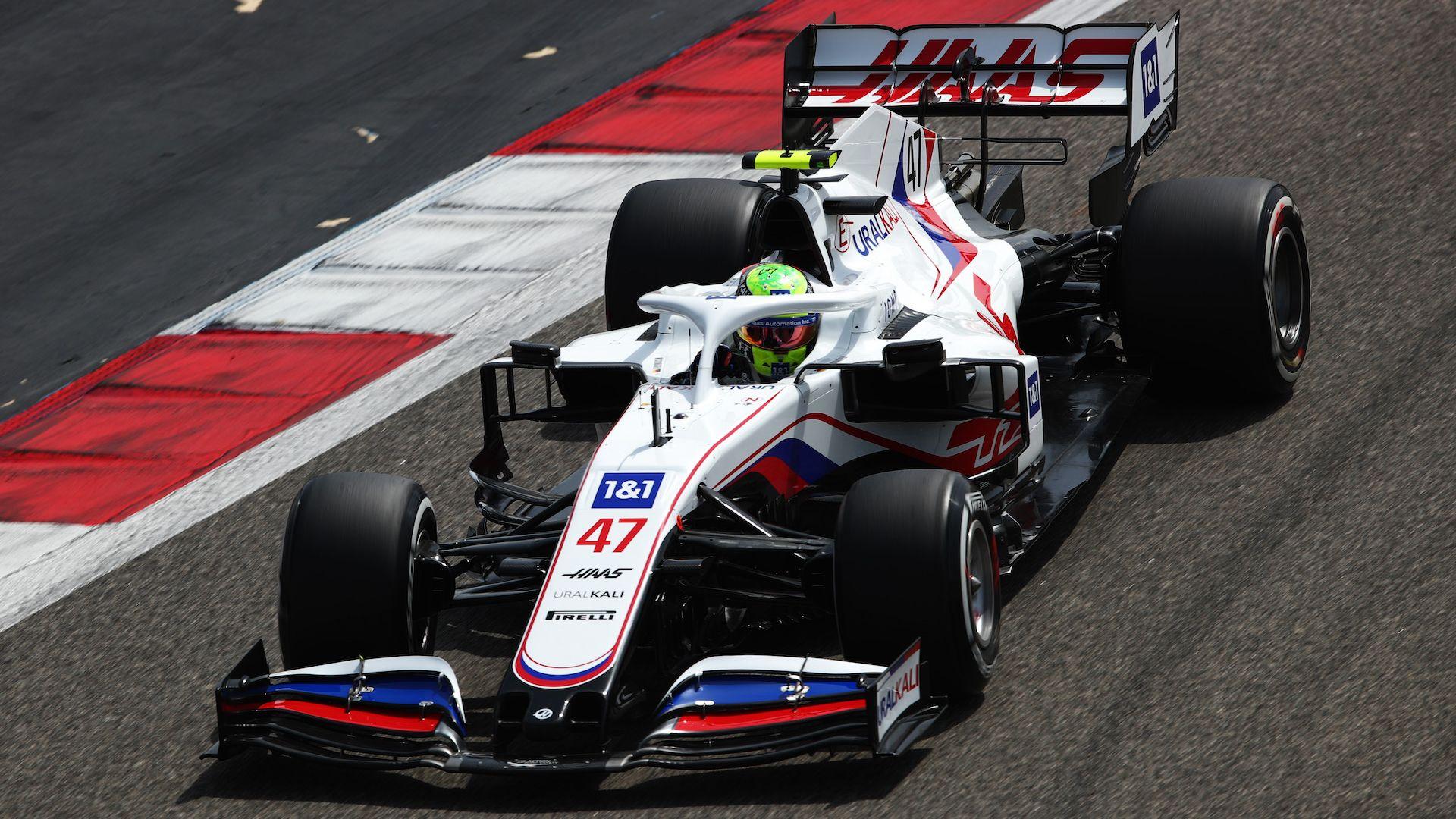 Мик Шумахер напомни за баща си още на тестовете във Формула 1