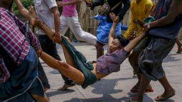Най-малко 12 убити при протести в Мианма, сред жертвите има и дете