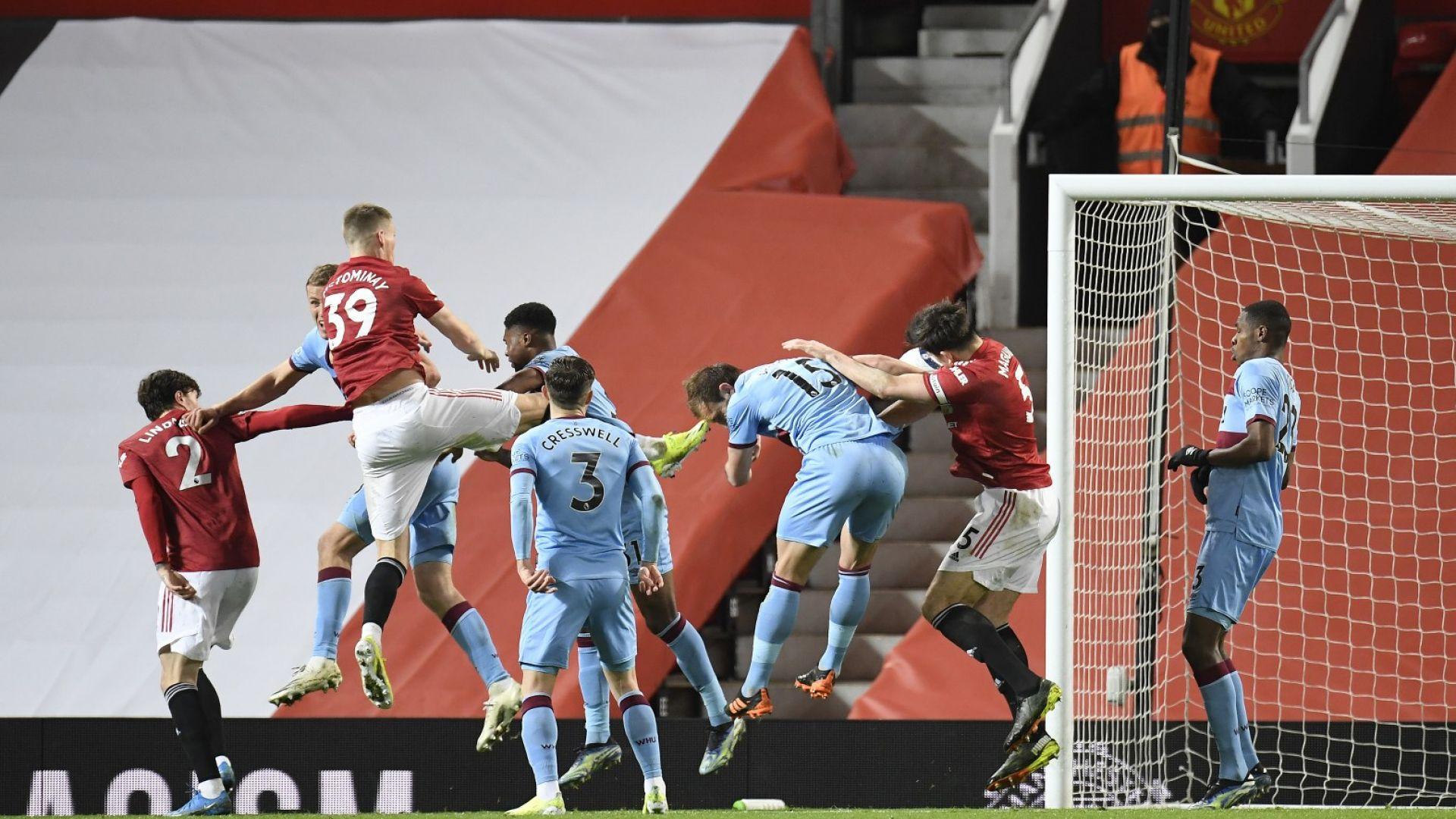 """Автогол отключи вратата за Манчестър Юнайтед срещу """"чуковете"""""""