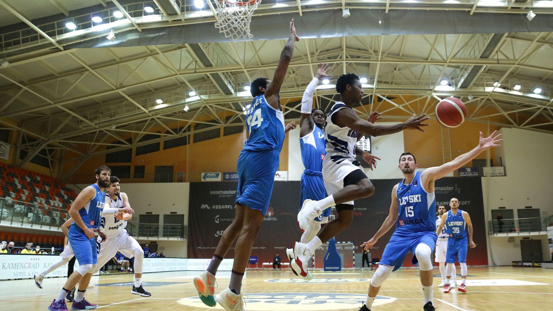 Левски Лукойл направи втора крачка към баскетболната титла на България