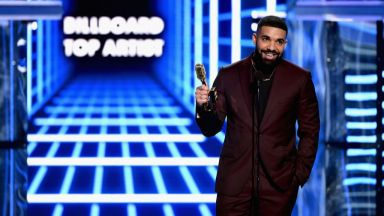Дрейк сътвори история в класацията на Billboard за сингли
