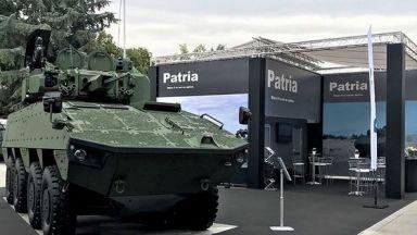 Каракачанов прекрати процедурата за нови бойни бронирани машини