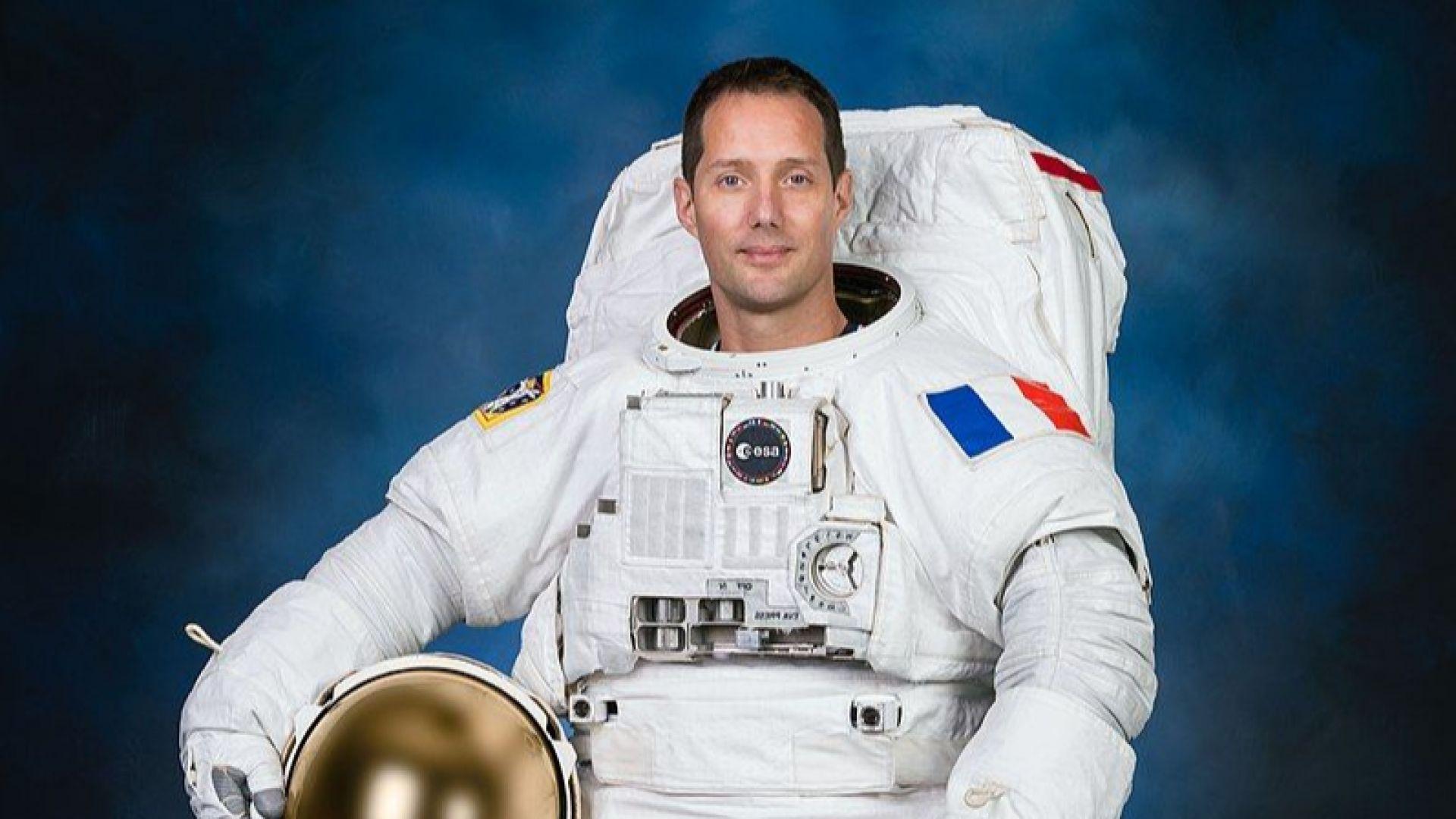Французин поема за пръв път командването на МКС