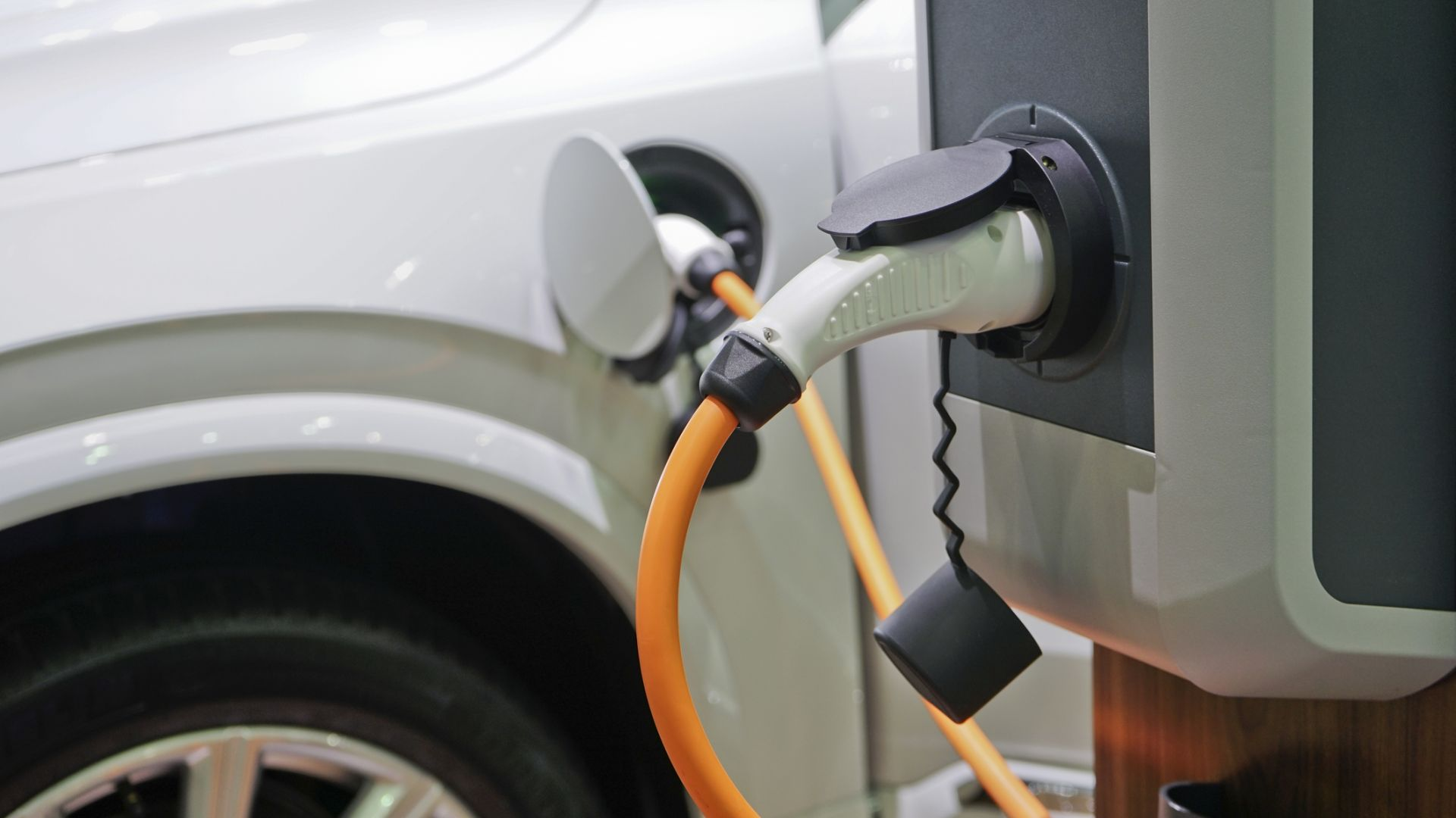 Електрическите коли няма да решат проблема с парниковите емисии