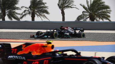 """В """"Мерцедес"""" очакват да са по-бавни от """"Ред Бул"""" на старта във Формула 1"""