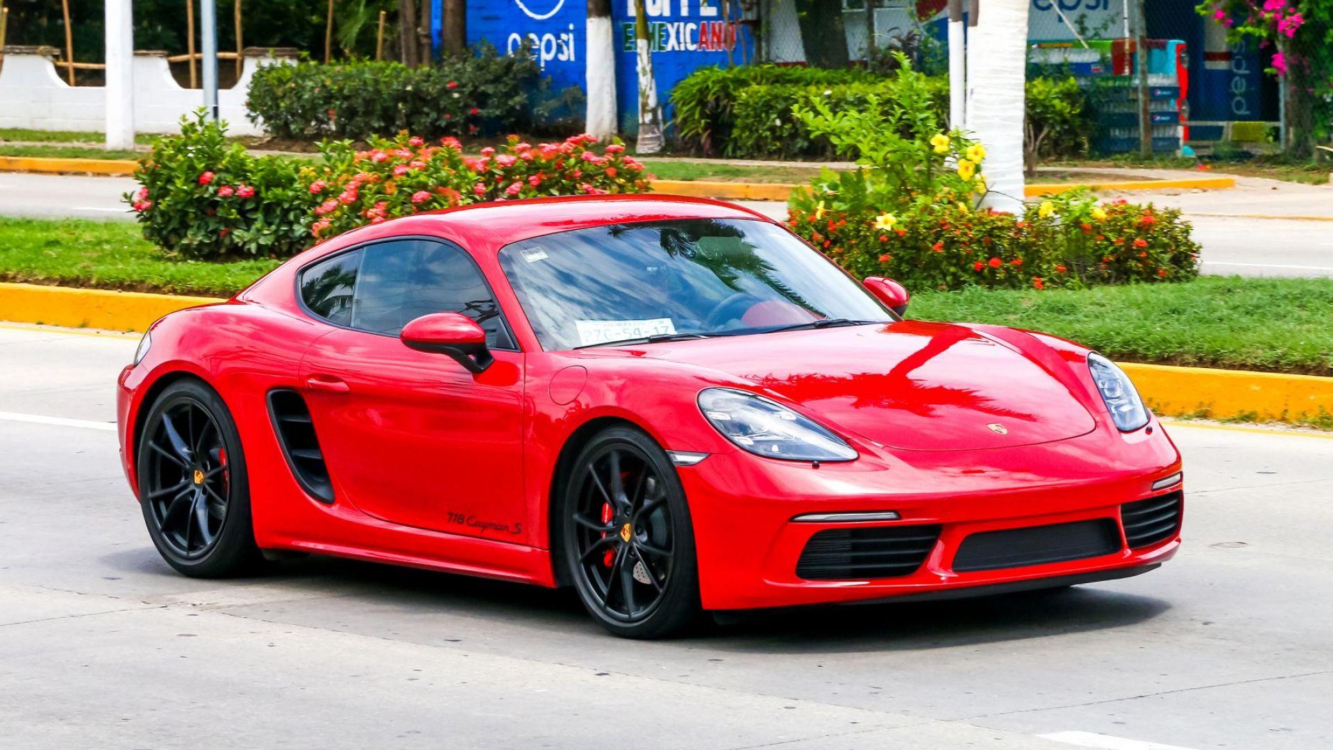 За лукса няма криза: Porsche отчете рекордни продажби за 2020 г.
