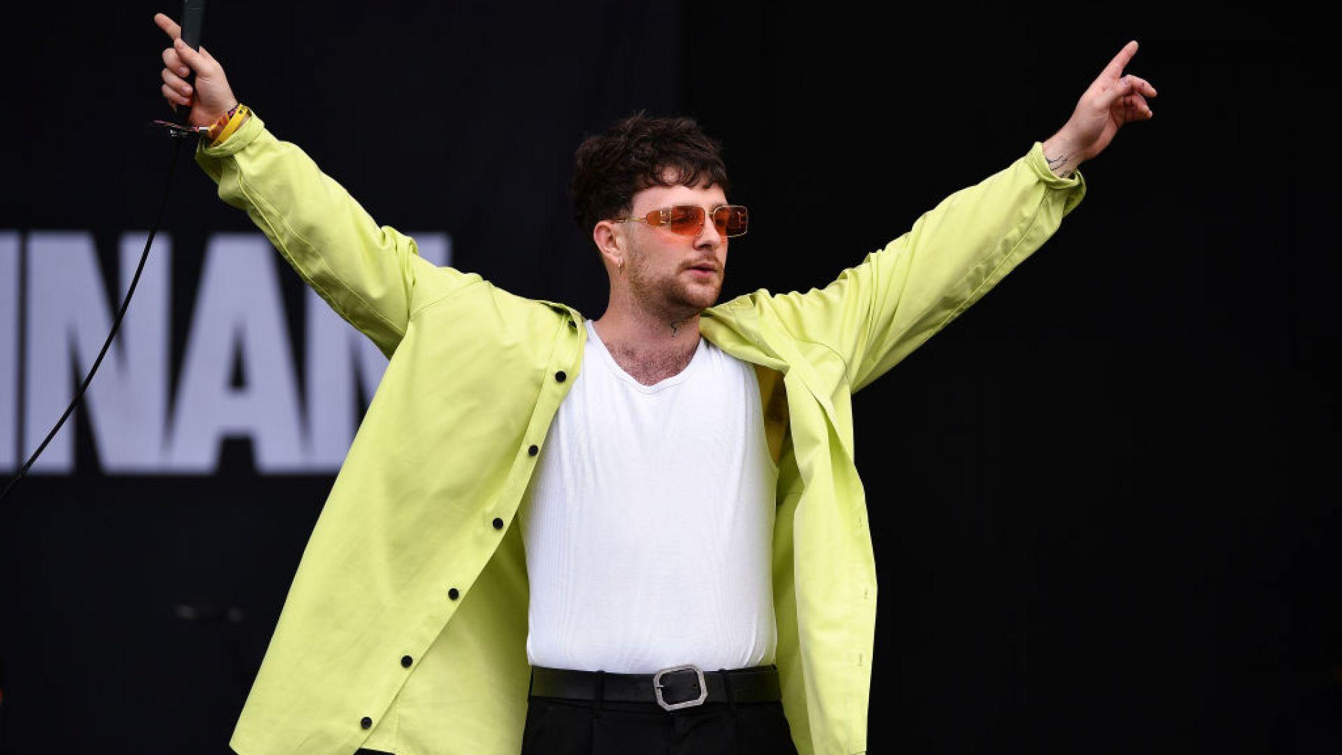 Том Гренан оглави британската класация за албуми