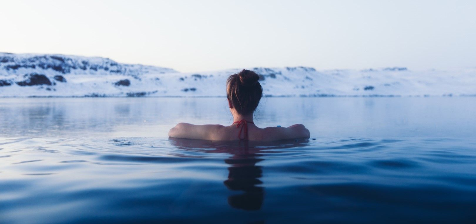 Топнете се в горещ минерален басейн на открито