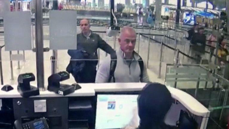 Съучастниците в бягството на Карлос Гон - баща и син, бяха осъдени на 24 и 20 месеца затвор