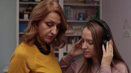 Жестомимичната преводачка Таня Димитрова: Виждаш малка светлинка и я сграбчваш, не се колебаеш