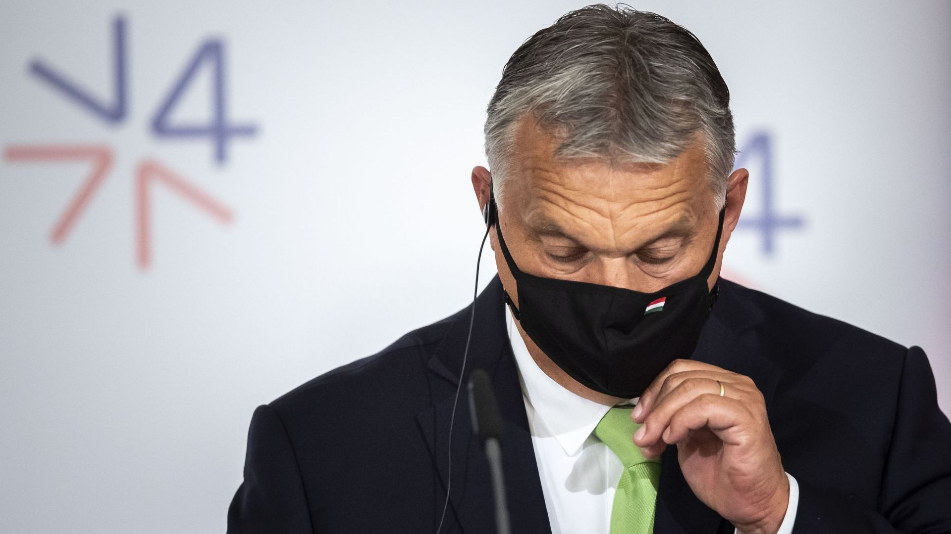 Унгарският премиер отлага отварянето на училищата след масова съпротива