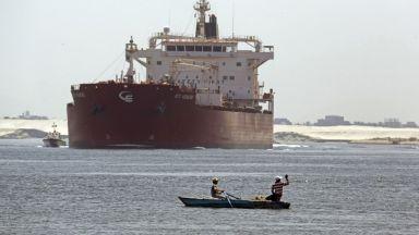 Египет започна удължаване на втората линия на Суецкия канал