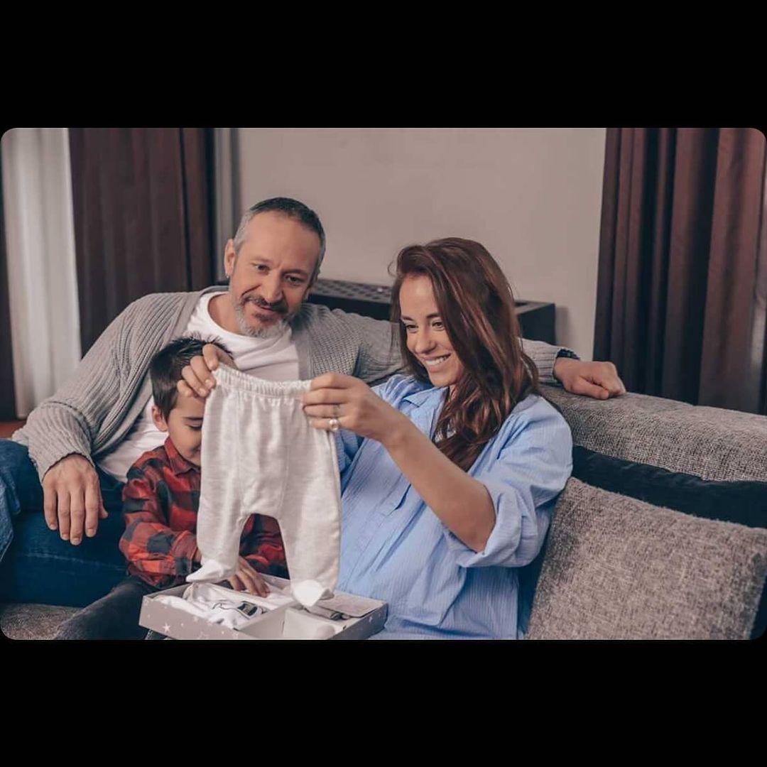 Радина Кърджилова с Деян Донков и сина им Христо