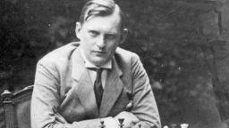 Гений в шахмата и политически враг на СССР: Неочакваната смърт на Александър Алехин