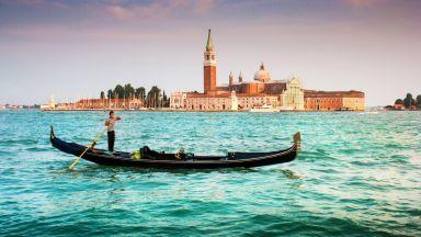 Защо гондолиерите във Венеция са на изчезване?