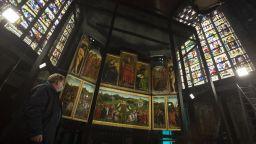 Шедьовър на Ван Ейк е изложен в нов параклис в катедралата в Гент