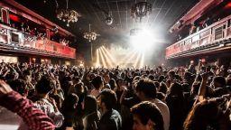 В Барселона 5000 души отиват на рок концерт след тест за Covid-19