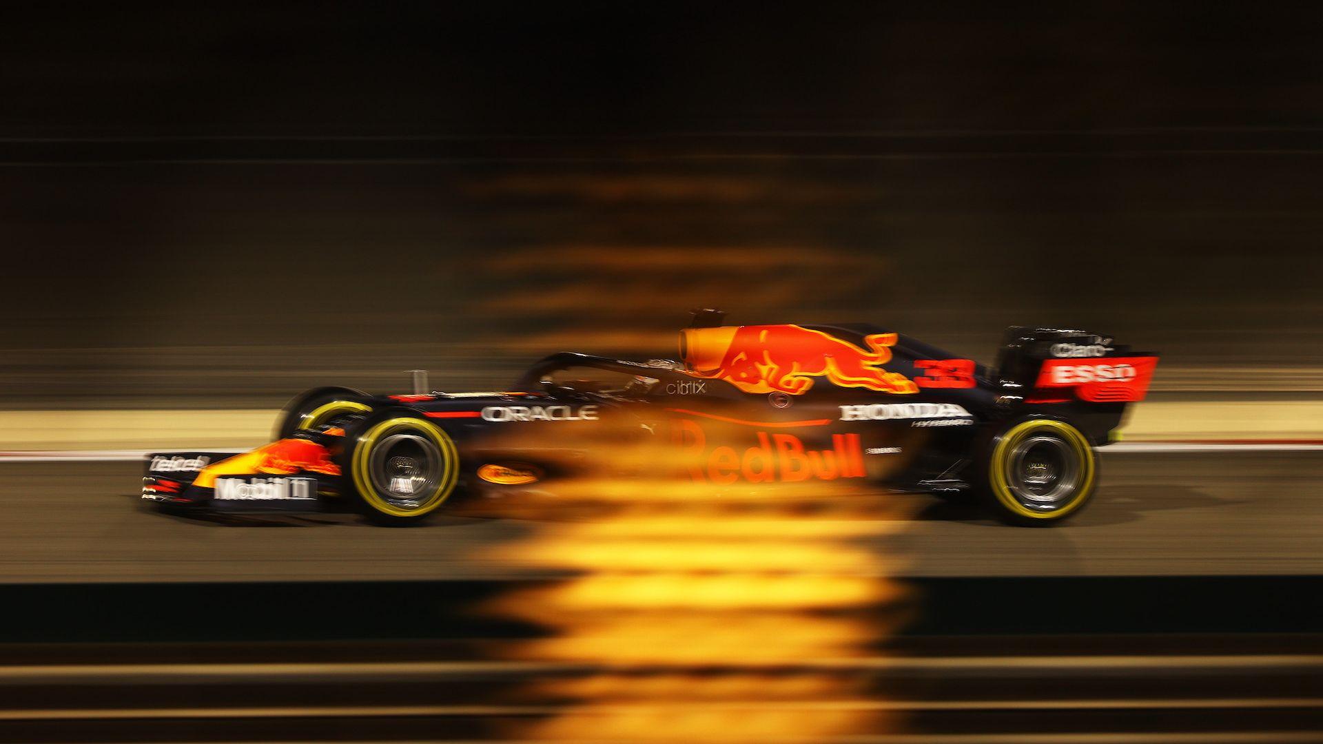 """Лудия Макс пак изпревари """"Мерцедес"""" и ще потегли първи в Бахрейн"""