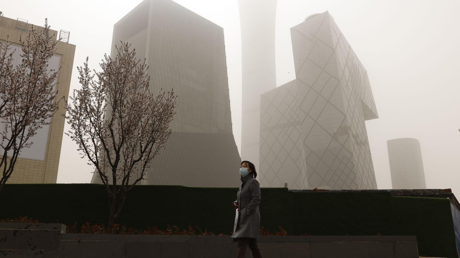 Пясъчна буря обхвана Пекин, за втори път за две седмици