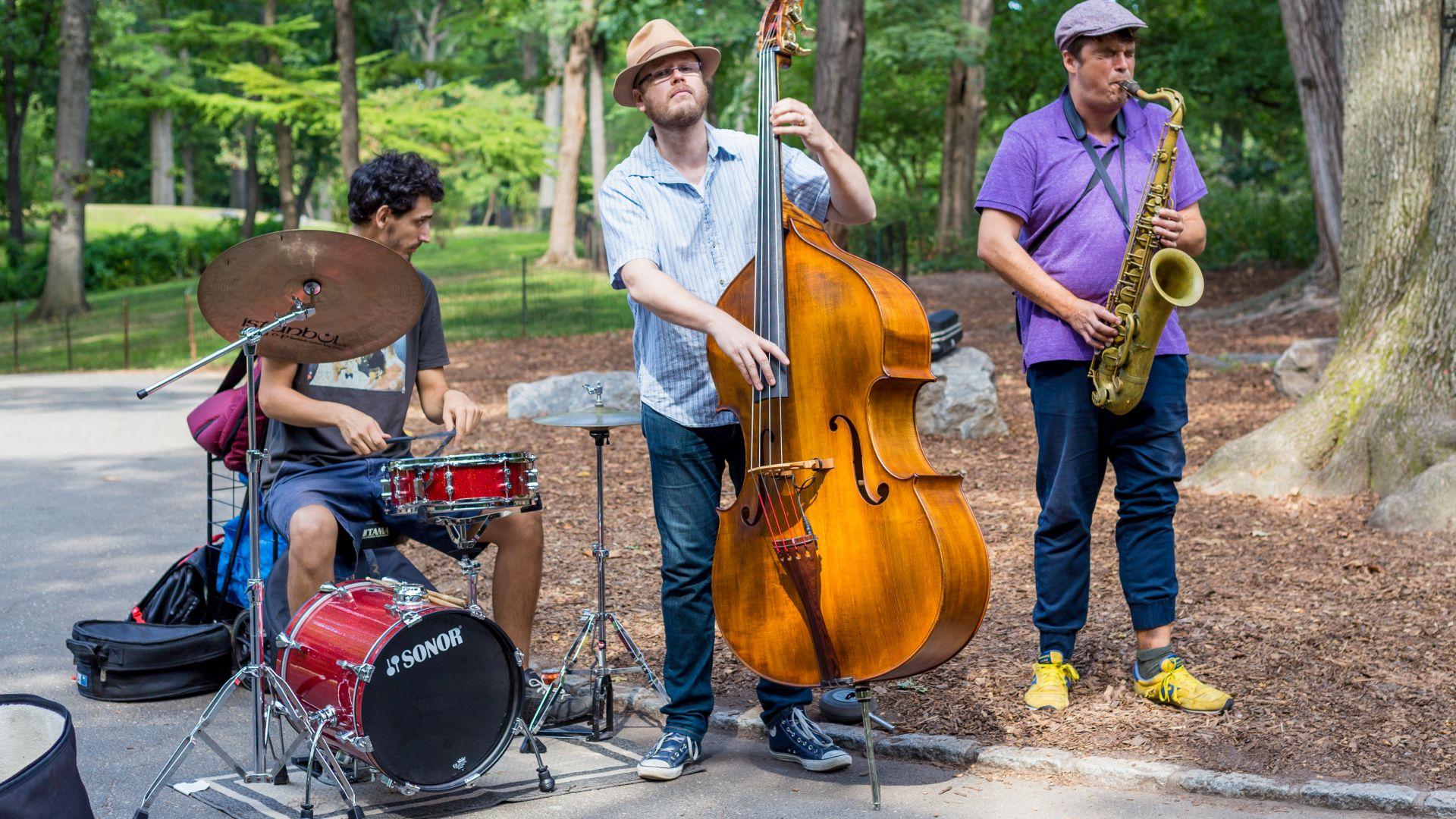 Американските музиканти търсят нови начини да свирят пред публика