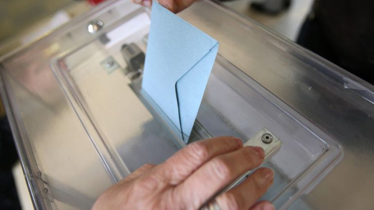 Остава седмица до редовните парламентарни избори. Дистанцията между основните политически