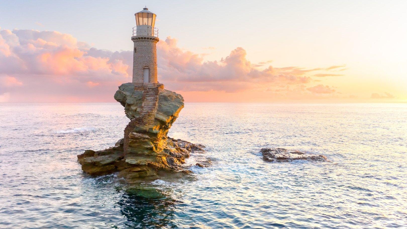 Залез при фара на остров Андрос