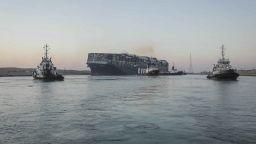 Гигантският кораб, заседнал в Суецкия канал, най-после е освободен