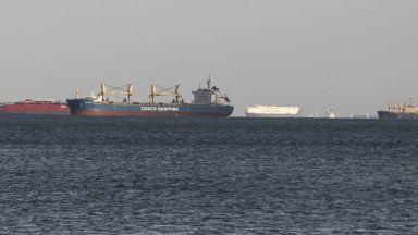 Прогноза: Блокирането на Суецкия канал ще струва 1 милиард долара