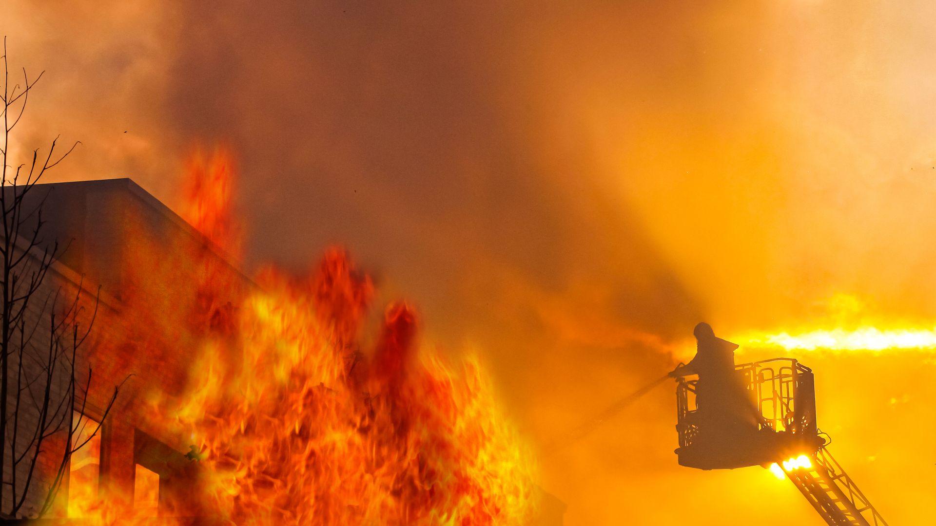 Възрастно семейство загина в пожар, приготвяло зимнина на газ