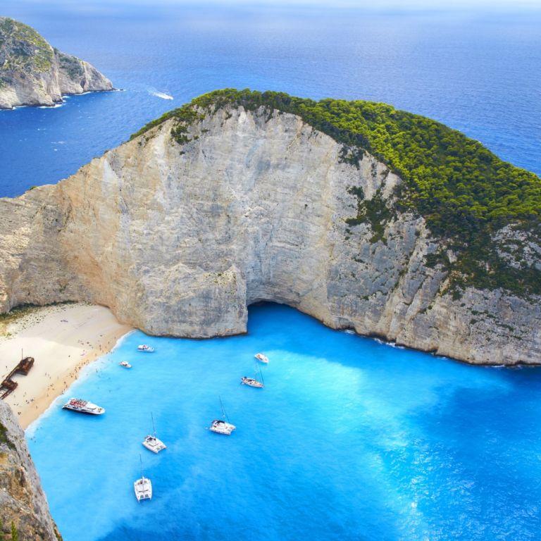 Официално: Гърция отваря на 15 май, но не иска туристи за Великден